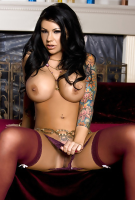 Mason Moore Huge Boobs And Tattoos