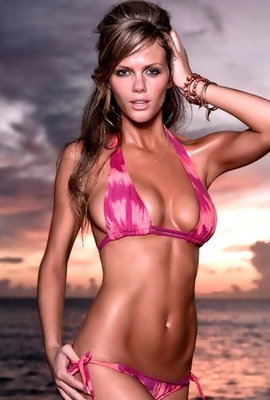 Brooklyn Decker - hot bikini model