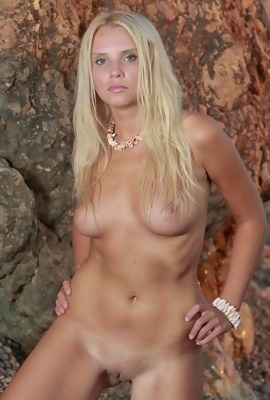 blondie Erra D. - sunset erotic images