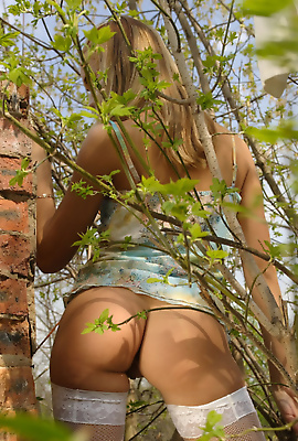 Sweet Lilya outdoor modeling all naked