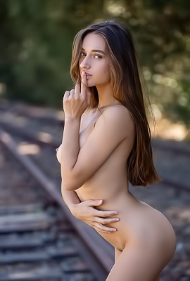 Glamour Babe Gloria Sol On Railroad