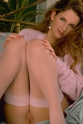 Treasure Treasure puts on pink lingerie to underline her beauty